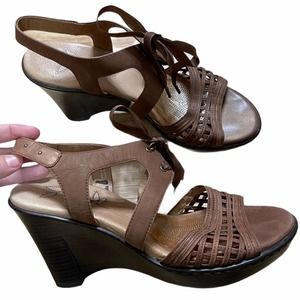 Umberto Raffini Brown Leather Lace Up Wedges